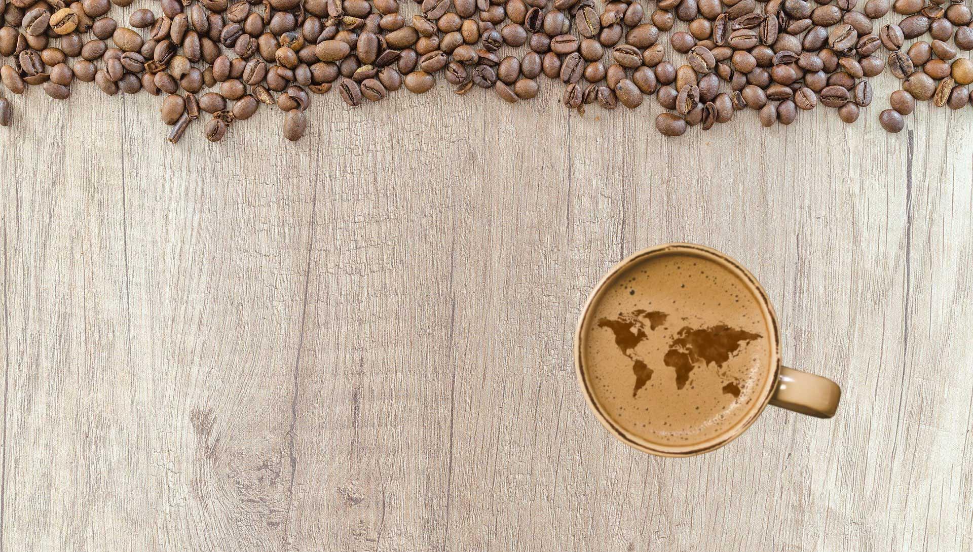 Grains de café et tasse